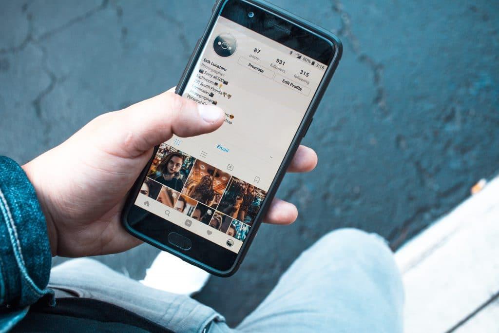 Compléter son profil Instagram professionnel pour développer sa marche