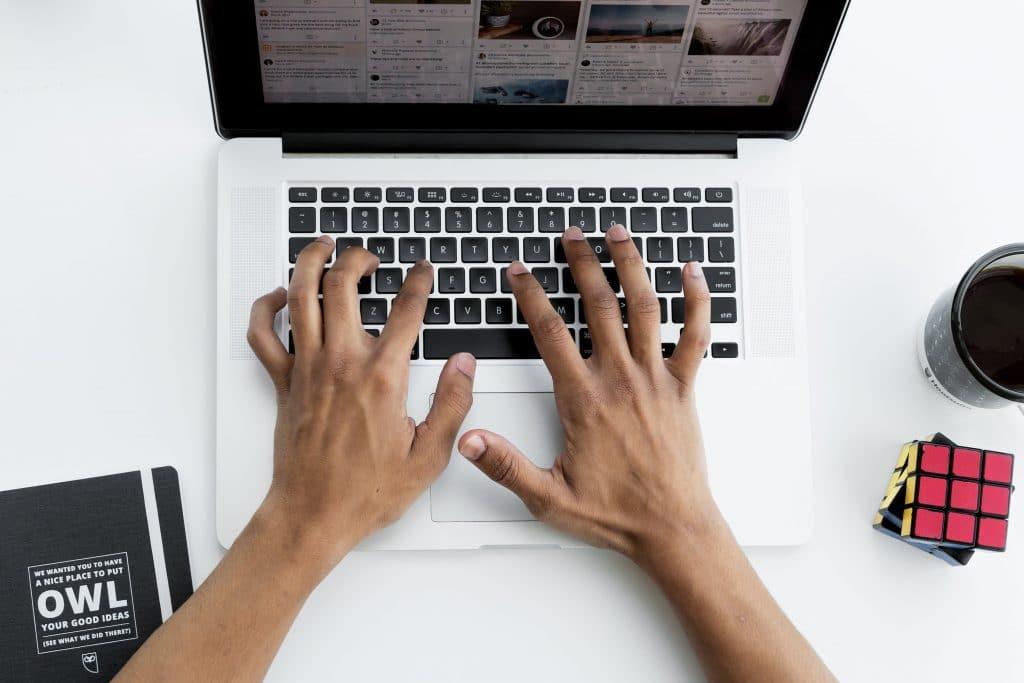 Réfléchir aux types de contenus à publier sur sa page Facebook